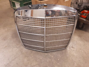 COOL GARAGE ART - CHROME GRILL HEADERS HUBCAPS