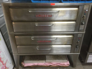 LIKE NEW BLODGETT DOUBLE STACKING STONE PIZZA OVEN