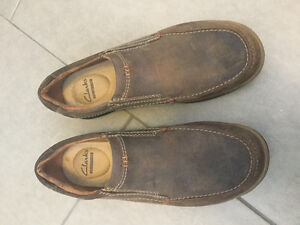 Size 8.5 men's Clarks loafers