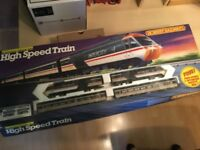Hornby R695 HST Train Set OO Gauge
