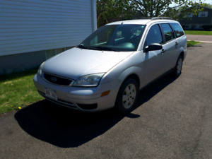 Ford Focus 2007 Summer+Winter tires both on rims!