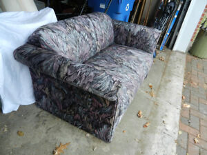 Loveseat,    Reduced  !!! West Island Greater Montréal image 2