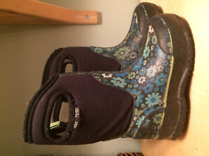 Bogs - Toddler size 8