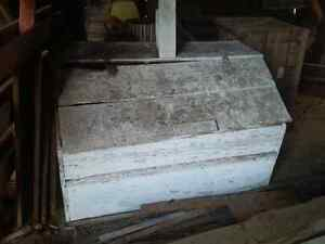 Reduced - antique wooden grain/feed bin Cambridge Kitchener Area image 1