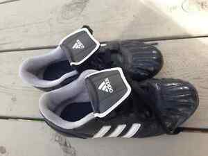 adidas Soccer Cleats - Kids Size 1 *Good condition*