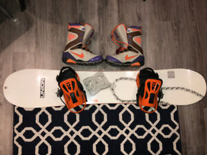 SNOWBOARD DC SHOES