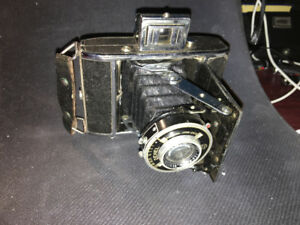 Vintage c1933-1948. 4.5x6cm on120 film,Dehel folding camera.