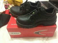 NONSLIP/STEEL TOED WOMEN'S SHOES FOR SALE SIZE 7-7.5