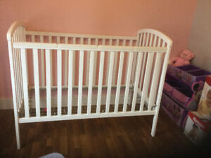 White crib set!
