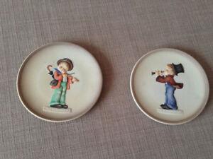 "2PC Goebel Hummel Figurine ""Little Music Makers"""