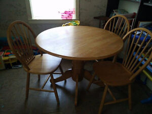 Table w/3 chairs