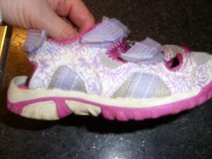 Girl's Wilson Covered Toe Sport Sandals Size 10 Kitchener / Waterloo Kitchener Area image 6