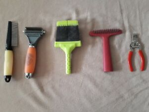 Good quality Grooming brushes and 1 nail clippers for large dog
