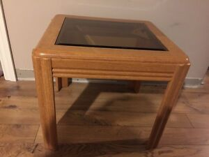 Small wood coffee table with tinted tempered glass top $25 OBO Cambridge Kitchener Area image 2