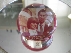 OLD VINTAGE DIANA / CHARLES JULY 29 / '81 PAPER-WEIGHT
