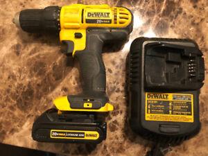 Dewalt Kit Drill DCD771 20V