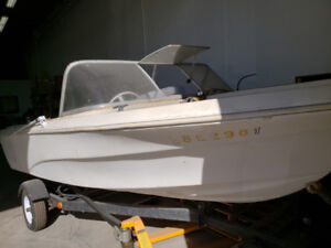 88 Mercury Cruiser boat with hitch for sale