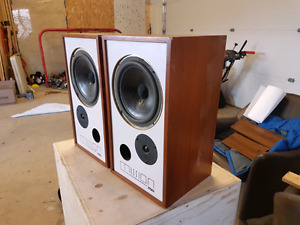 Vintage Mission 700 bookshelf speakers