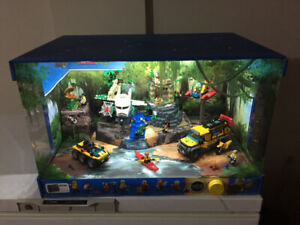2 LEGO DISPLAYS !! PERFECT EASTER GIFT IDEA
