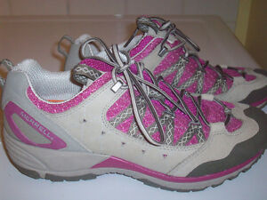 Merrell trail/hiking shoes- size 8 London Ontario image 1