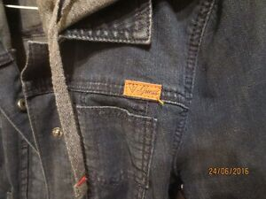 Guess Denim Jacket with hood West Island Greater Montréal image 2