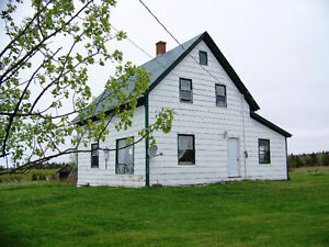 100 yr old farmhouse with peaceful 3 acres EastWallace-Malagash