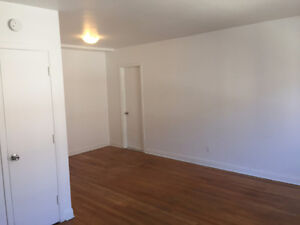 2 1/2 All/Tout Included. West island. Pointe-Claire $600
