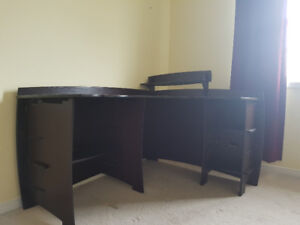 Corner desk and chair great condition barely used!