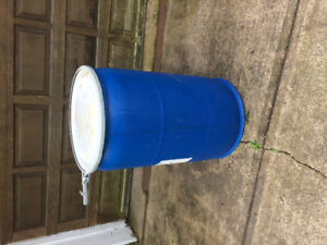 Plastic barrel drums with lid