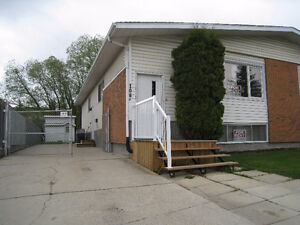HINTON, AB for RENT Move in JUNE