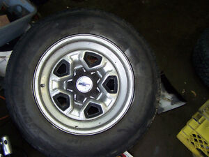 Chey Blazer rims with tires (5 x 120.7) Edmonton Edmonton Area image 1