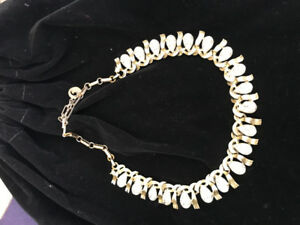 Vintage 50s Sparkle, Make a Statement in this Amazing Collar