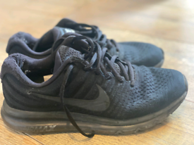 Nike Air Max 2017 - Triple Black size 6
