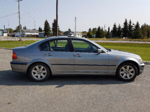 2003 BMW 3-Series 325i - No accidents-Low mileage - Winter tires