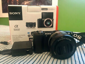 SONY MIRRORLESS CAMERA (FOR SALE)