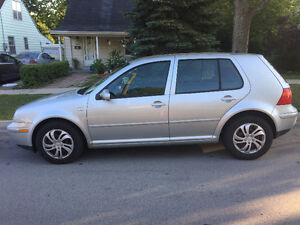 2003 Volkswagen Golf GL Hatchback LOW KMS!