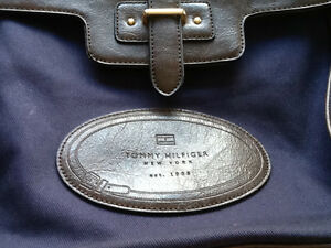 Brand NEW carton blue bag - Tommy West Island Greater Montréal image 2