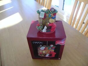 CARLTON CARDS CHRISTMAS ORNAMENT IS HE HERE YET Windsor Region Ontario image 1
