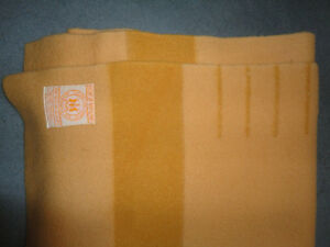 HUDSON BAY 4 POINT WOOL BLANKET GOLD TAN ENGLAND