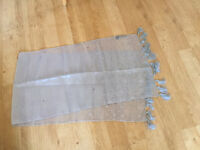 Ladies TIE RACK Silver STOLE Shawl Grey Wrap Scarf Occasion Party Dinner.