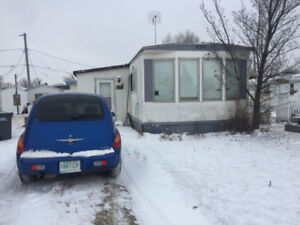 Family Home in Caronport for Rent: Available Dec 1