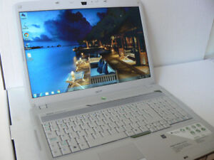 "acer 17"" Intel Core 2 Duo 1.67ghz 4gbRam 250hd WiFi Windows 10"