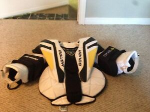 Goalie equipment - Chest Protector, Pads, Helmet, Blocker/Glove
