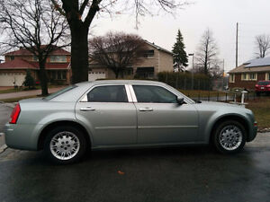 2005 Chrysler 300 Limited Edition Sedan IMMACULATE CONDITION