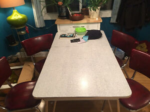 RETRO 50s KITCHEN TABLE & 4 CHAIRS ***Moving Out Sale***