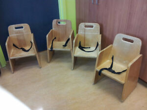 4 chaises d'appoint