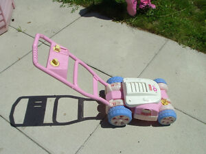 PINK ---- Fisher-Price Bubble Mower