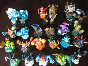 ABOUT 119 SKYLANDER FIGURES! 4 Wii GAMES, PORTALS, CARDS, STAND