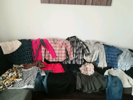 Big bundle of women clothes size 12-14(M,L)