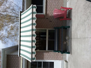 Patio roll out awning